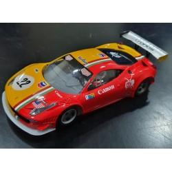 GT3 Italia Black Arrow pintado, decorado y preparado con chasis Kat Racing