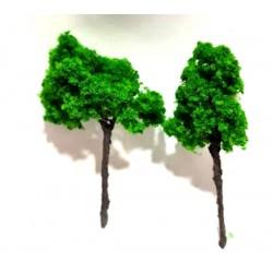 Dos arboles decoración de 5 cm aprox.